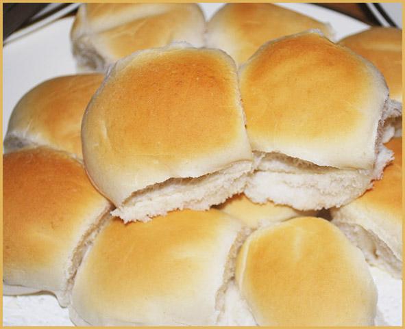 dinner rolls for Thanksgiving dinner