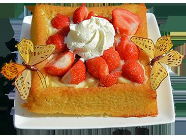 small strawberry birhtday cake