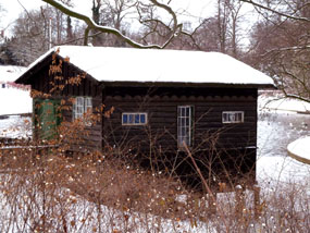 winter pictures house in snow